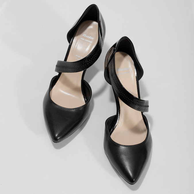 Leather pumps with T-strap, black , 724-6904 - 16